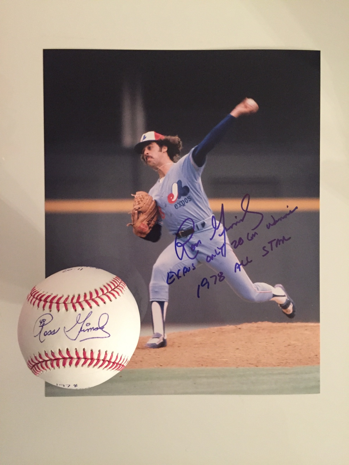 Photo et Balle signées par Ross Grimsley