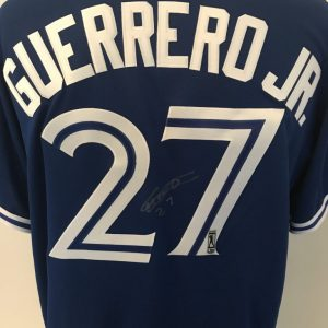 Jersey (étranger) signé par Vladimir Guerrero Jr.