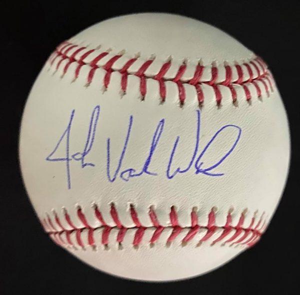 Balle officielle signée par John Vander Wal