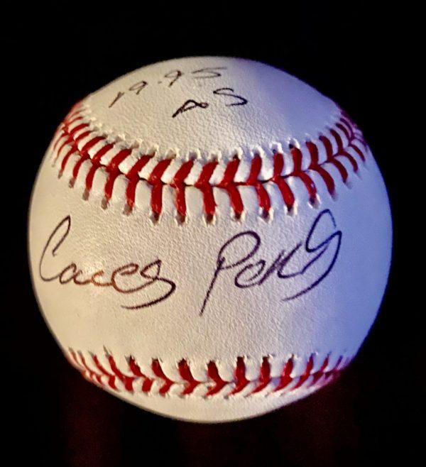 Balle officielle signée par Carlos Perez